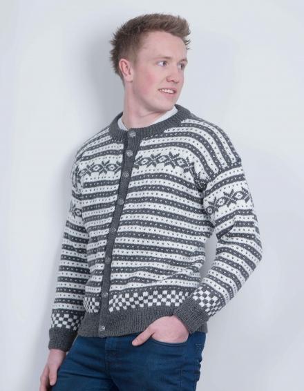 05815040 Strikkemekka.no - viking jakke herre mønster
