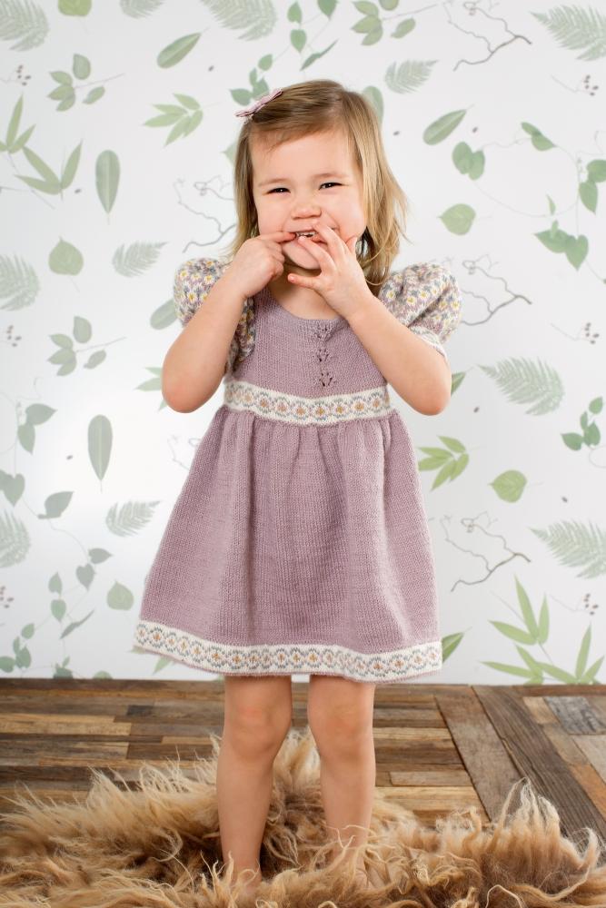 Lille Lotta Kjole, Lavendel, med Puffermer